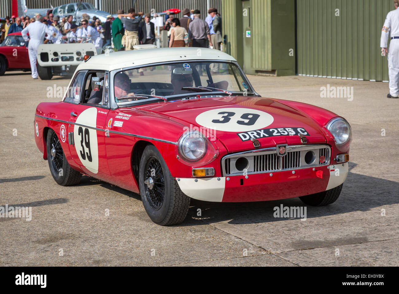 1964 mgb le mans with driver barry sidery smith fordwater trophy stock photo 79377982 alamy. Black Bedroom Furniture Sets. Home Design Ideas