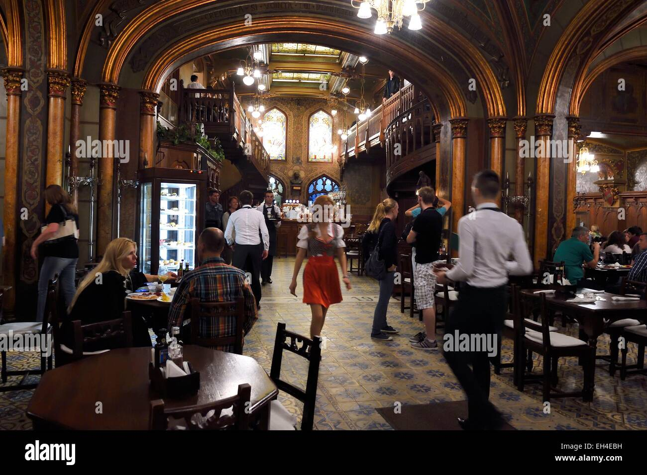Romania, Bucharest, historic center, the famous brewery Caru cu bere created in 1899 in the Lipscani neighborhood - Stock Image