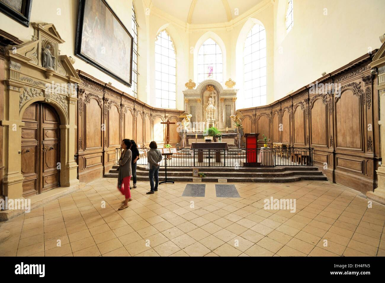 France, Marne, Hautvillers, Church of Saint Sindulphe, choir with the tombs of Dom Perignon and Dom Royer - Stock Image