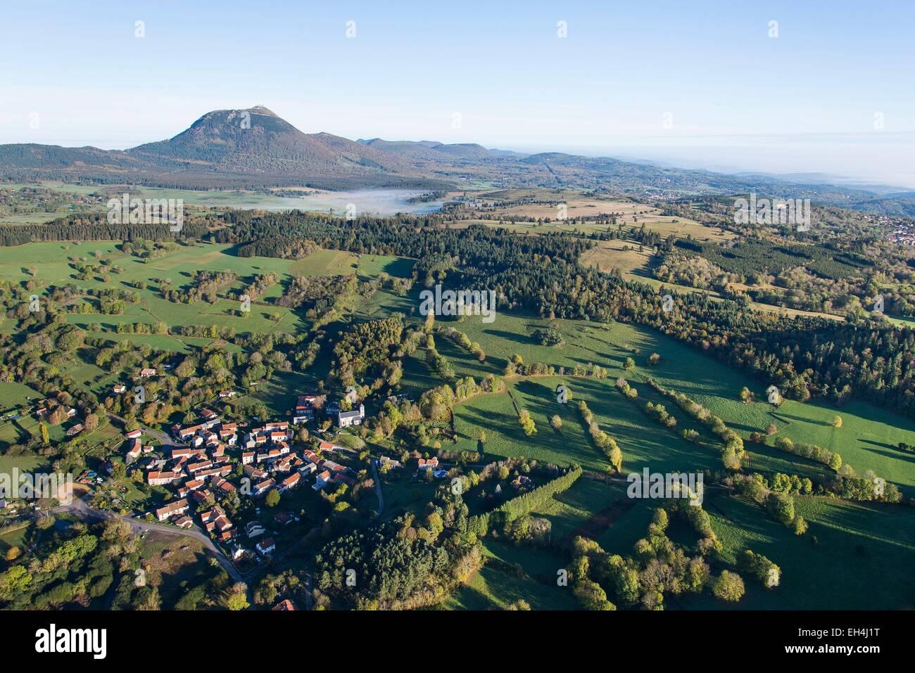 France, Puy de Dome, Beaune, Chaine des Puys, Parc Naturel Regional des Volcans d'Auvergne (Natural regional - Stock Image