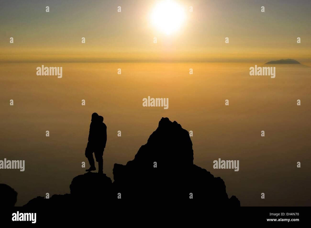 Indonesia, Java, Jawa Tengah, Yogyakarta, Merapi, sunrise from the summit of Merapi (1356m) - Stock Image
