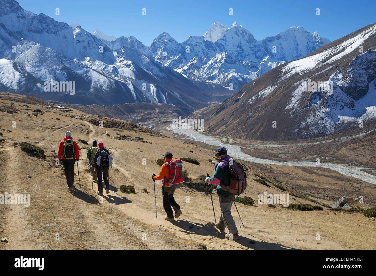 Nepal, Sagarmatha National Park, listed as World Heritage by UNESCO, Solu Khumbu District, hikers on the way to - Stock Image