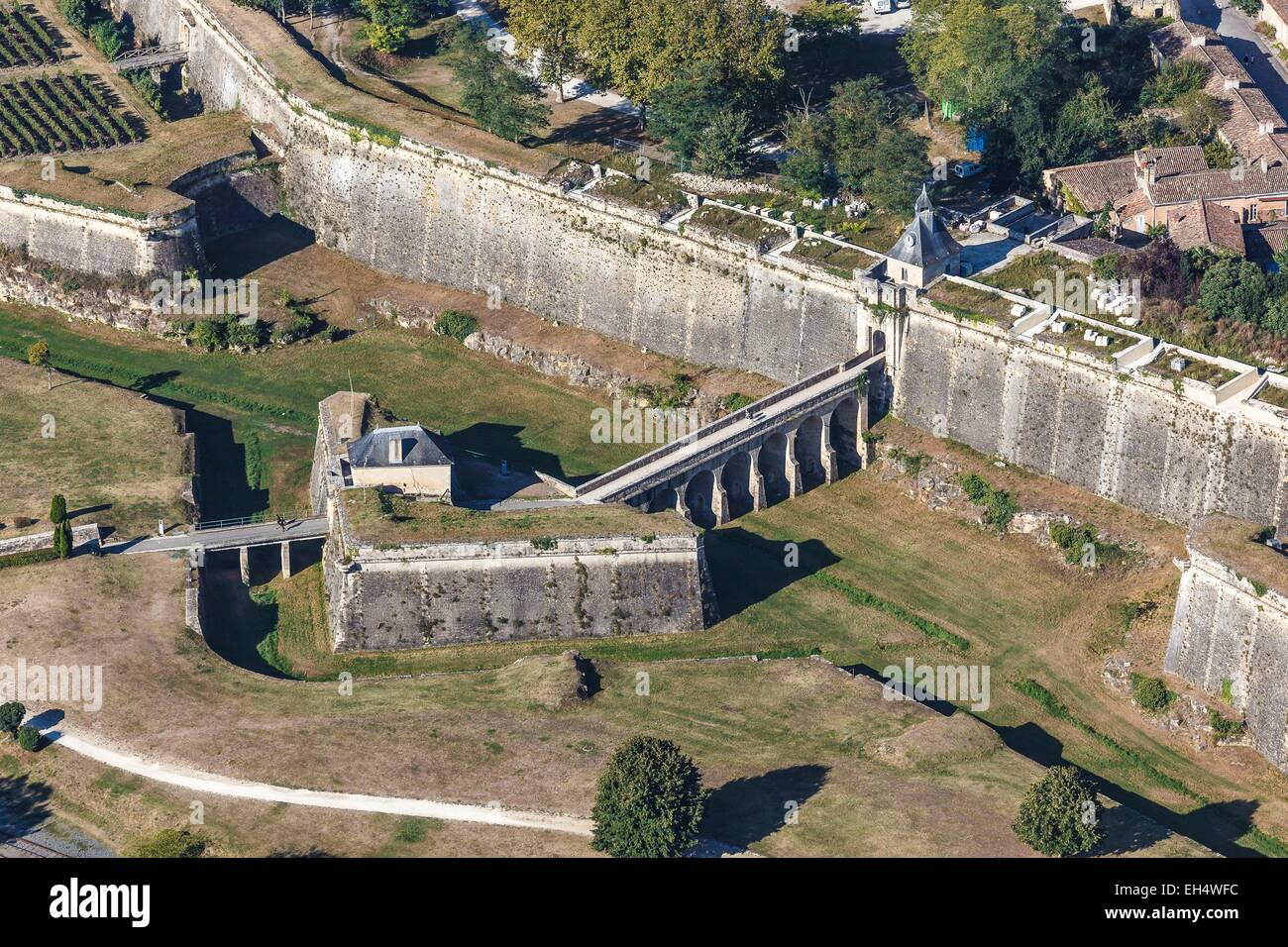 France, Gironde, Blaye, The citadel, Fortifications of Vauban, listed as World Heritage by UNESCO, the Porte Dauphine - Stock Image