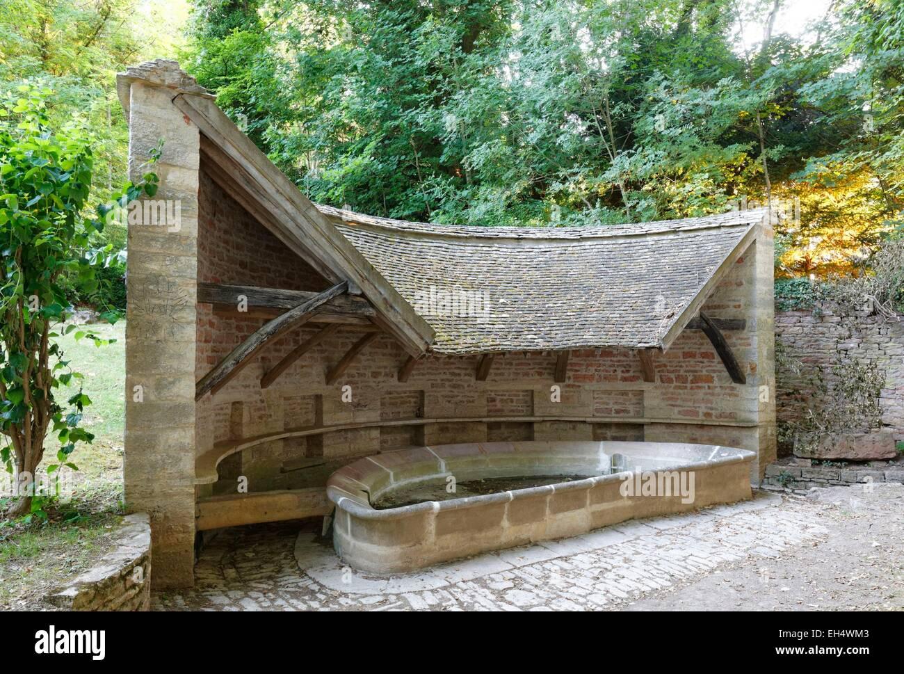 France, Saone et Loire, wash house, hamlet of Cortiambles, Givry, AOC Cote Chalonaise, Bourgogne - Stock Image