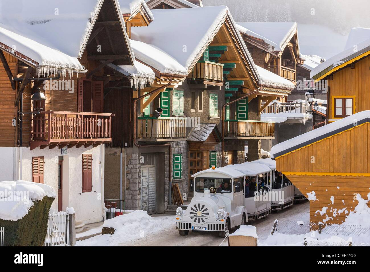France, Haute-Savoie, Morzine, the valley of Aulps, ski slopes of the Portes du Soleil, the small train for the - Stock Image