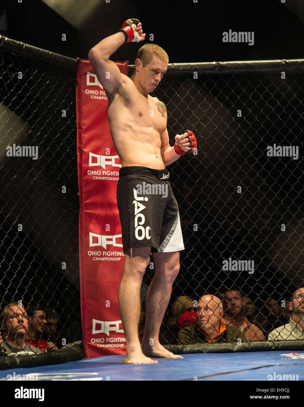 Colombus, Ohio, USA. 6th March, 2015. Dan Spohn acknowledges the crowd before his fight against Marcus Finch at - Stock Image