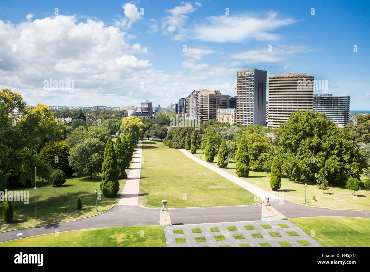 The view from the Shrine of Remembrance looking south towards St Kilda on a hot summer's day - Stock Image
