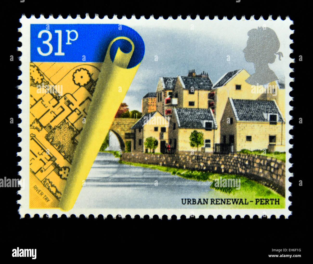 Postage stamp. Great Britain. Queen Elizabeth II. 1984. Urban Renewal. Commercial Street Development, Perth. 31p. - Stock Image
