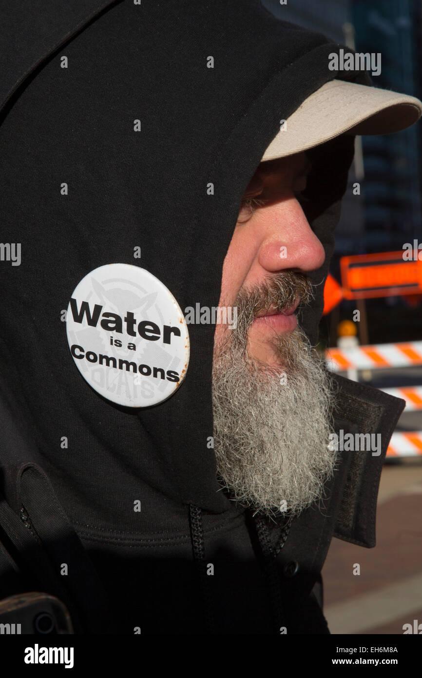 Detroit, Michigan - Members of the Detroit Water Brigade protest water shutoffs. - Stock Image
