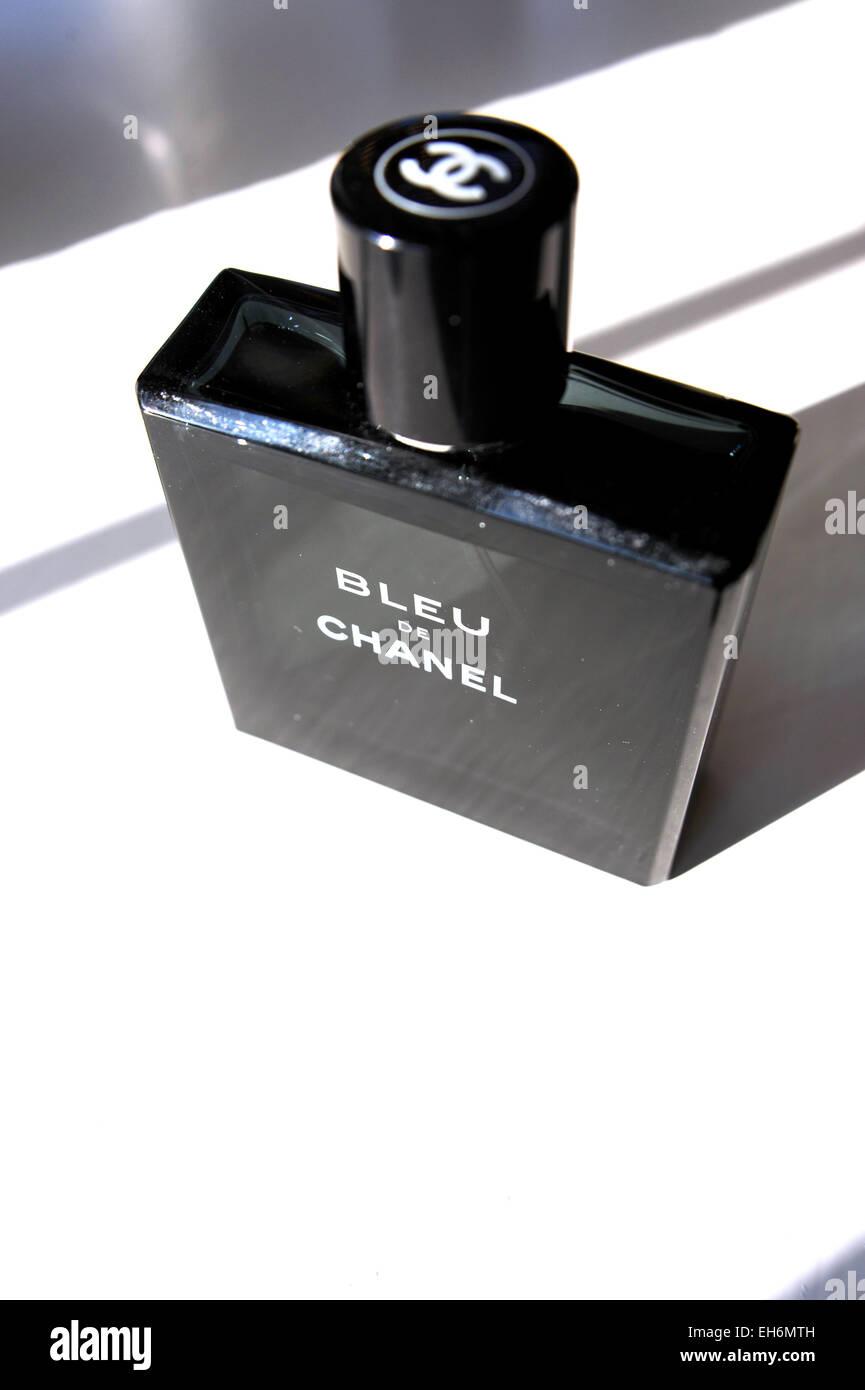 011ff9495fa Chanel Perfume Stock Photos   Chanel Perfume Stock Images - Alamy