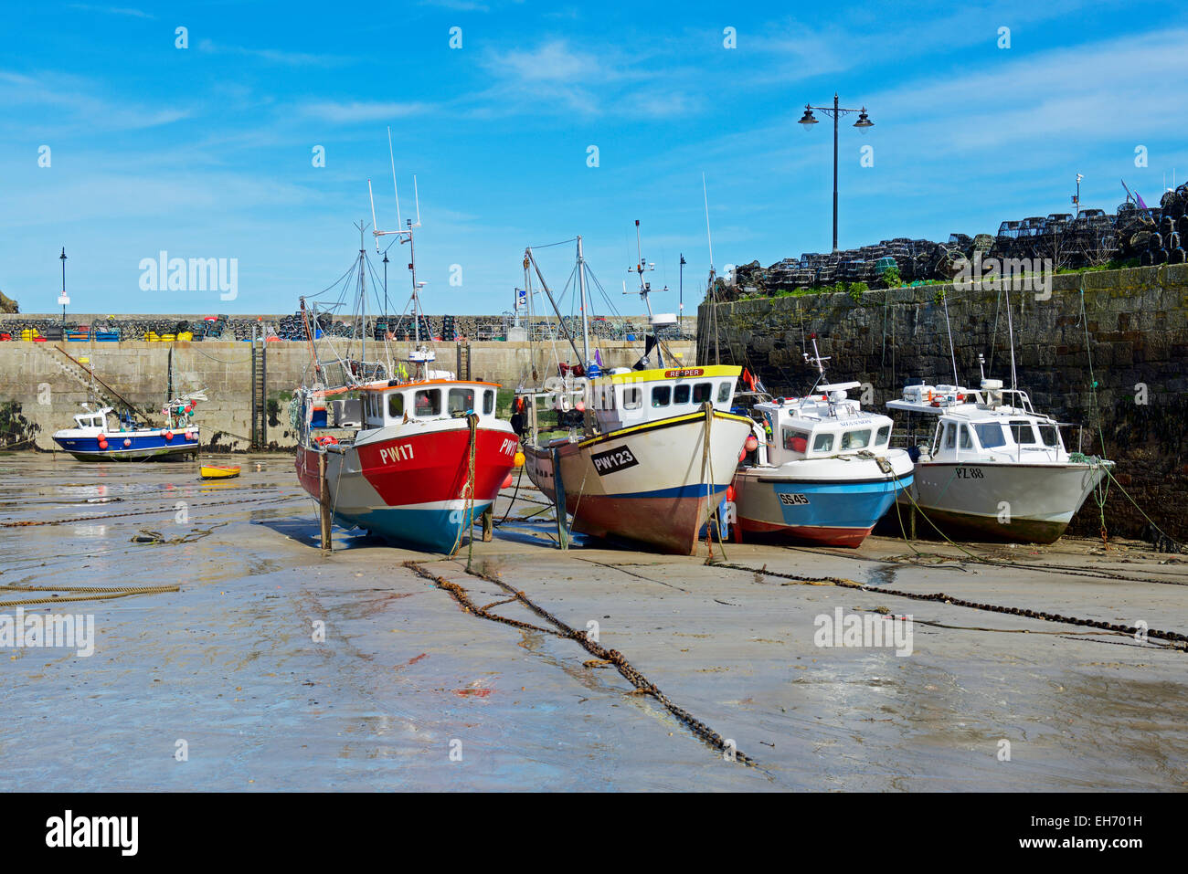Fishing boats in harbour, Newquay, Cornwall, England UK - Stock Image