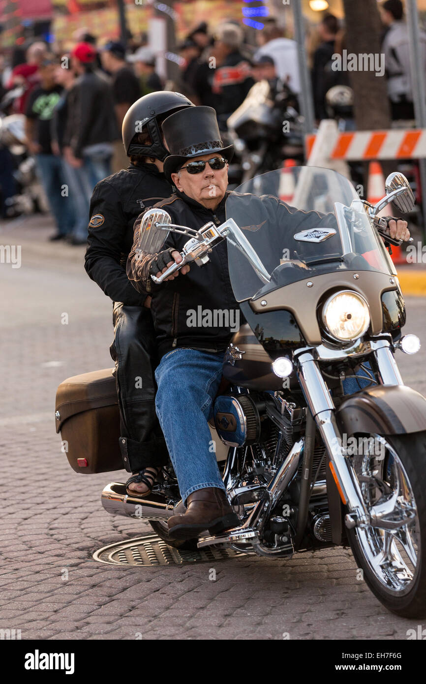 45e709927d3a Biker In Top Hat Stock Photos & Biker In Top Hat Stock Images - Alamy