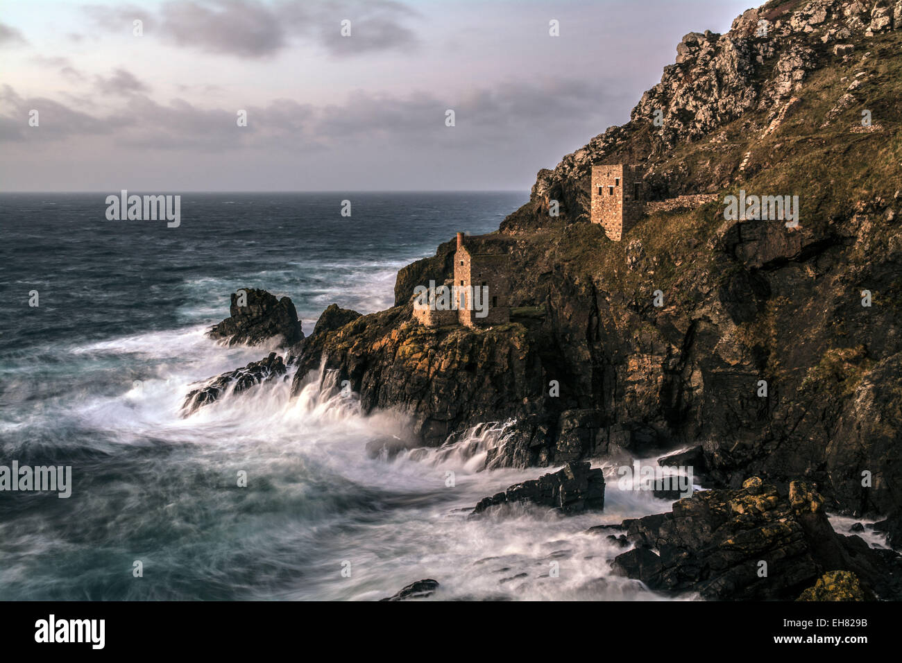 The count house at Botallack tin mine in Cornwall. - Stock Image