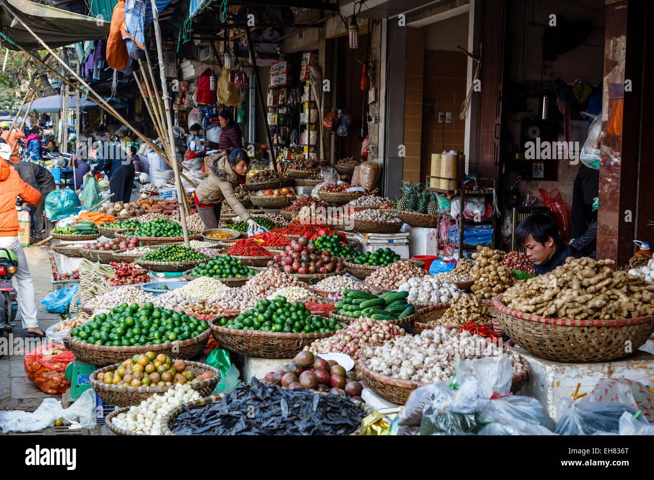 Market in the old quarter, Hanoi, Vietnam, Indochina, Southeast Asia, Asia - Stock Image