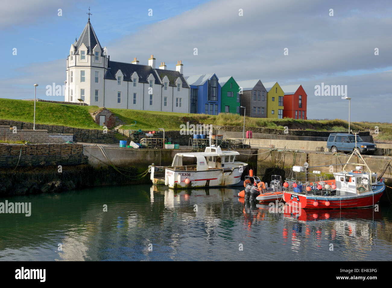 Fishing boats in the harbour, John O'Groats, Caithness, Highland Region, Scotland, United Kingdom - Stock Image