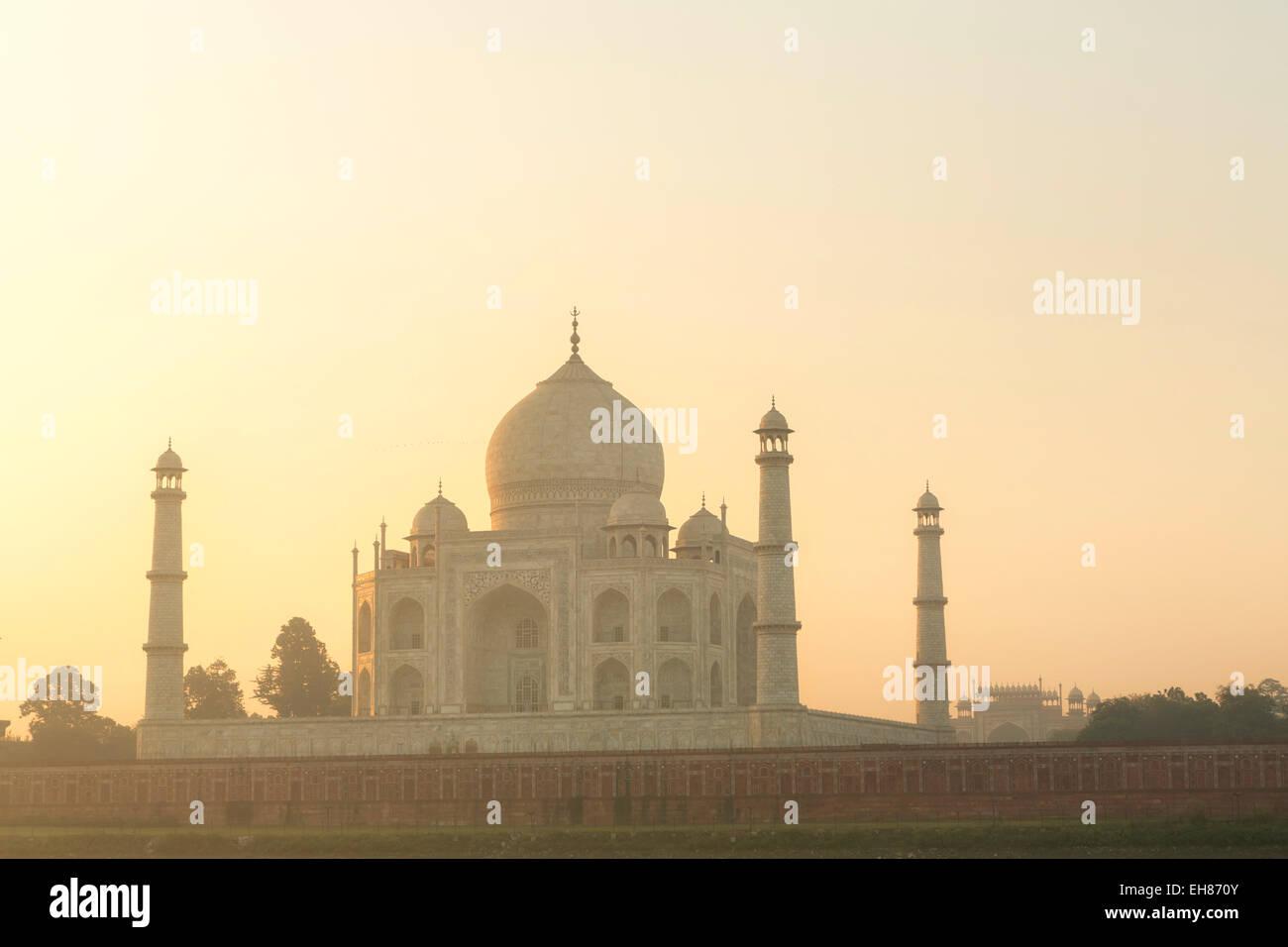 Taj Mahal Wall Arts Stock Photos & Taj Mahal Wall Arts Stock Images ...