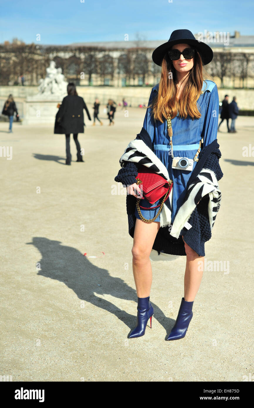 Blogger Lena Terlutter arriving at the Issey Myake show in Paris - March 6, 2015 - Photo: Runway Manhattan/Celine Stock Photo