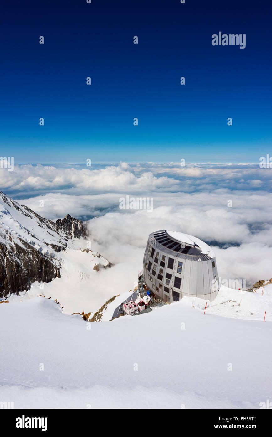Mont Blanc Gouter refuge, Chamonix Valley, Rhone Alps, Haute Savoie, France, Europe - Stock Image