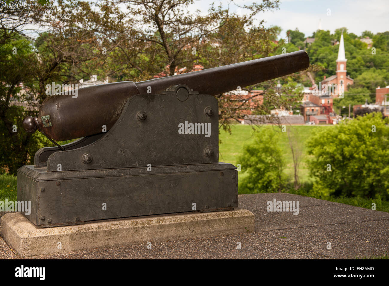 This naval cannon was captured July 3, 1898 from the Spanish Cruiser Vizcaya at the famous Battle of the Spanish - Stock Image