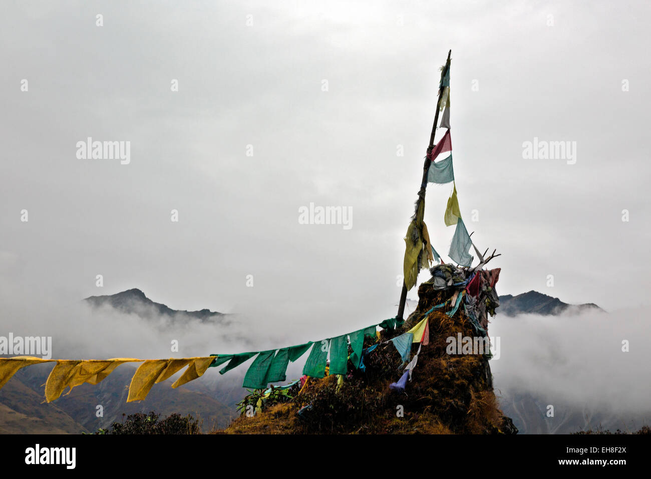 BU00281-00...BHUTAN - Thumbu La, the 14,370-foot summit of the last climb on the Jhomolhari 2 Trek. - Stock Image