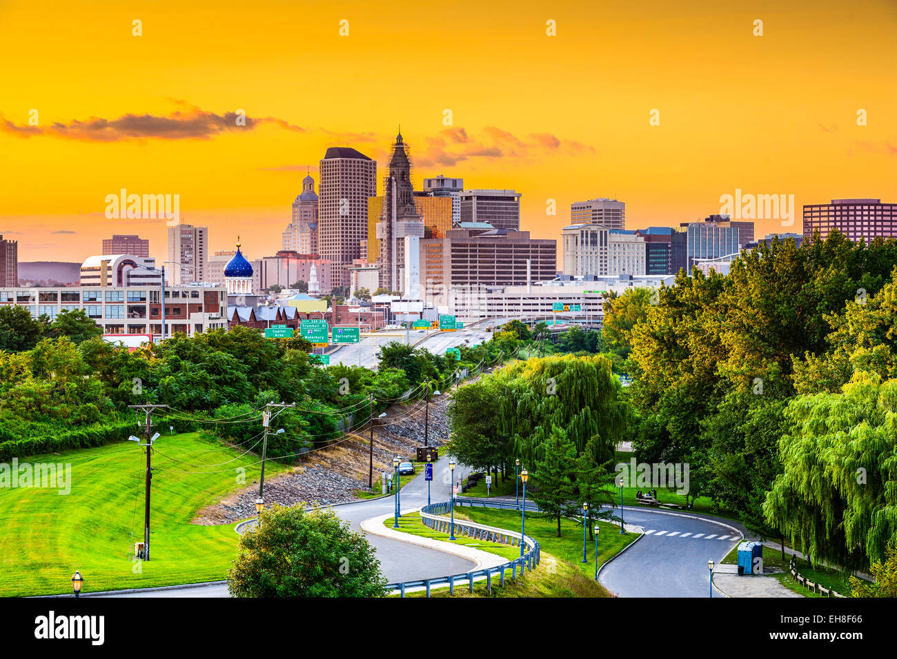 Hartford, Connecticut, USA city skyline from Charter Oak Landing. - Stock Image