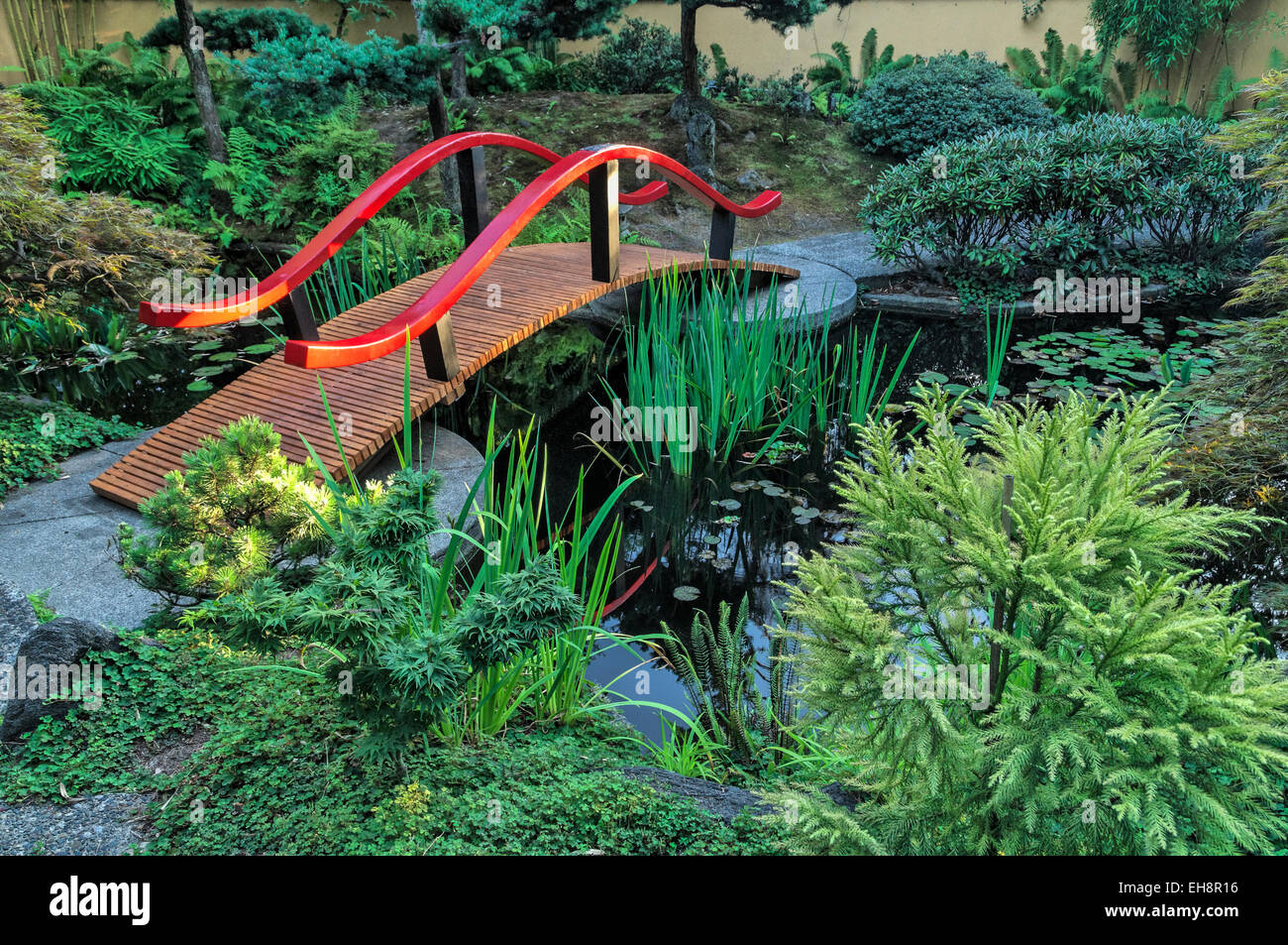 Japanese bridge, Park and Tilford Gardens, N. Vancouver, British Columbia, Canada - Stock Image