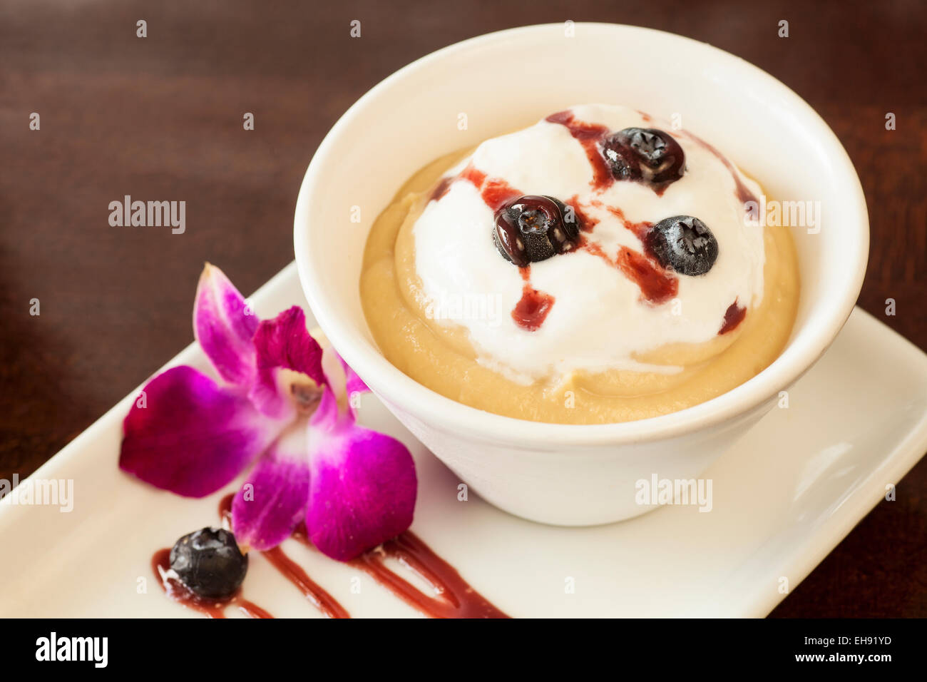 salted caramel pudding, Corktree Cellars Wine Bar & Bistro, Carpinteria, California - Stock Image