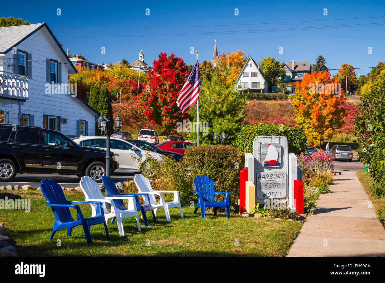 The Harbors Edge Motel with fall foliage color in Bayfield, Wisconsin, USA, America. - Stock Image