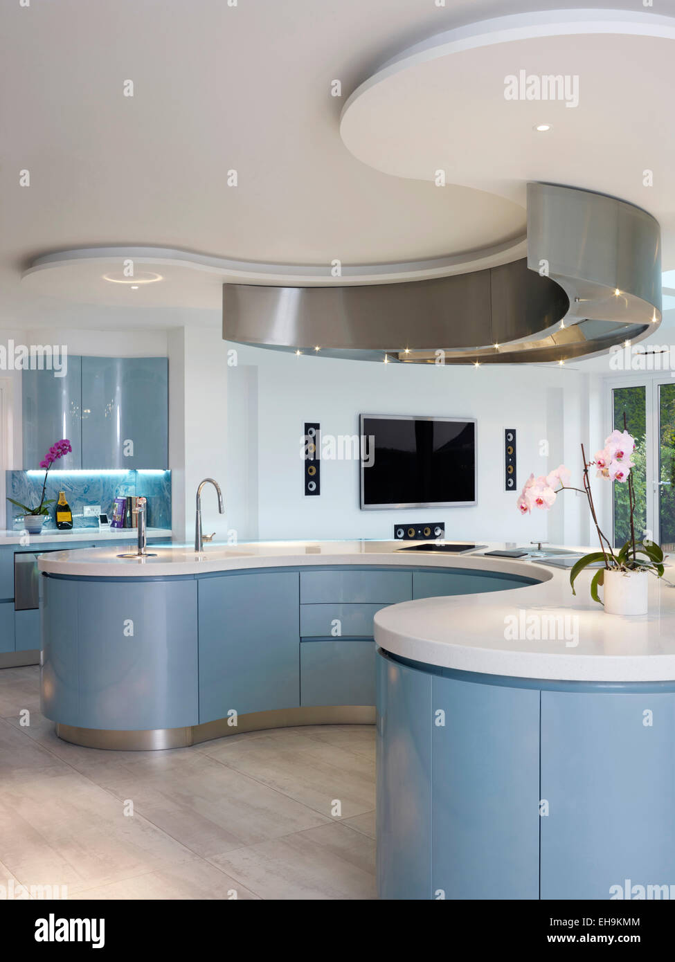 Blue And White Curved Breakfast Bar Island In Modern Kitchen