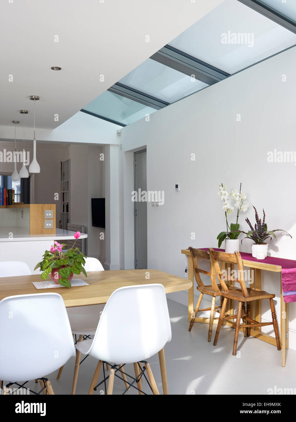 White Modern Kitchen With Skylights Residential House Uk Stock Photo Alamy