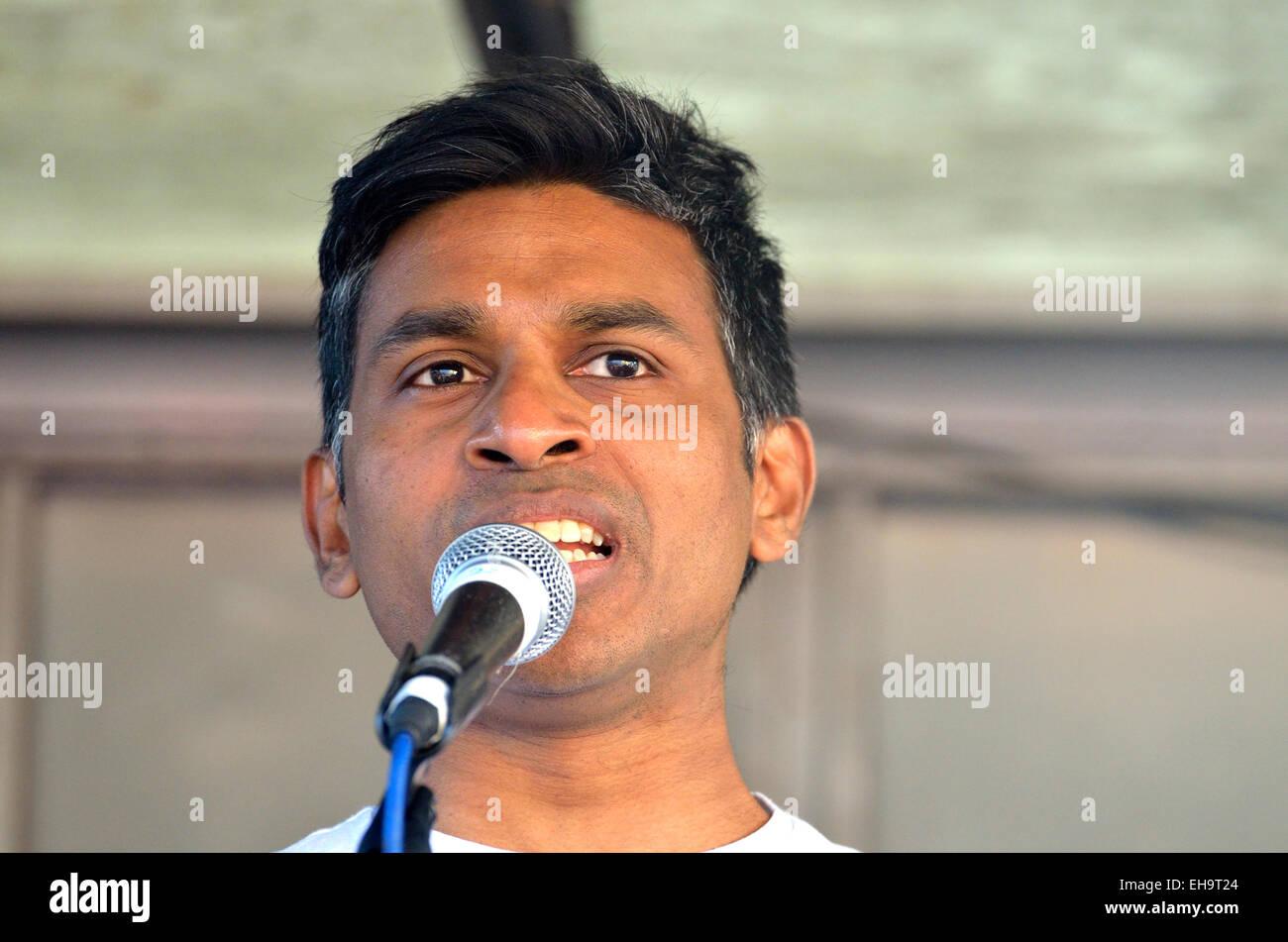 Denis Fernando, Unite Against Fascism, Rainbow Coalition against Racism, speaking at - Stock Image