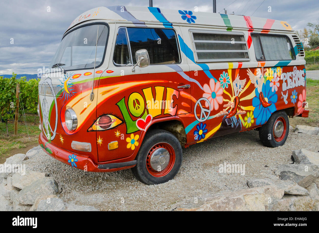 painted vw hippie van at ruby blues winery naramata. Black Bedroom Furniture Sets. Home Design Ideas