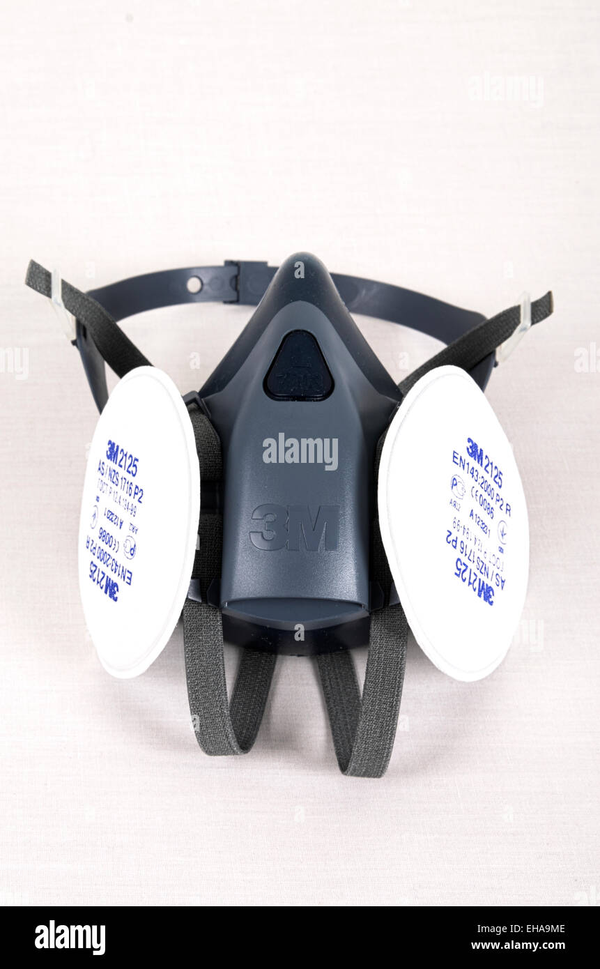 3M Respirator Fitted WIth 3M 7500 respirator fitted with 3M 2125 particulate filters - Stock Image