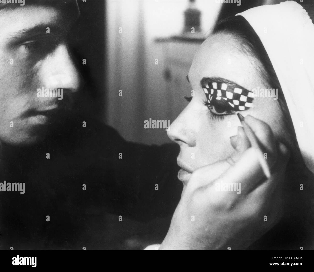 Elsa Martinelli, Makeup being Applied on-set of the Film 'The Tenth Victim' (aka La Decima Vittima), 1965 - Stock Image