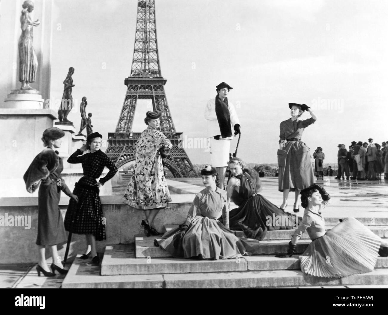 Fashion Models, on-set of the Film 'Under the Paris Sky' (aka Sous le Ceil de Paris), 1951 - Stock Image