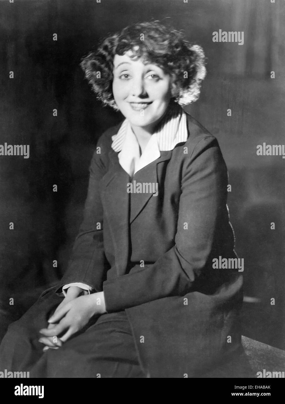 Laurette Taylor, Smiling Portrait, 1924 - Stock Image
