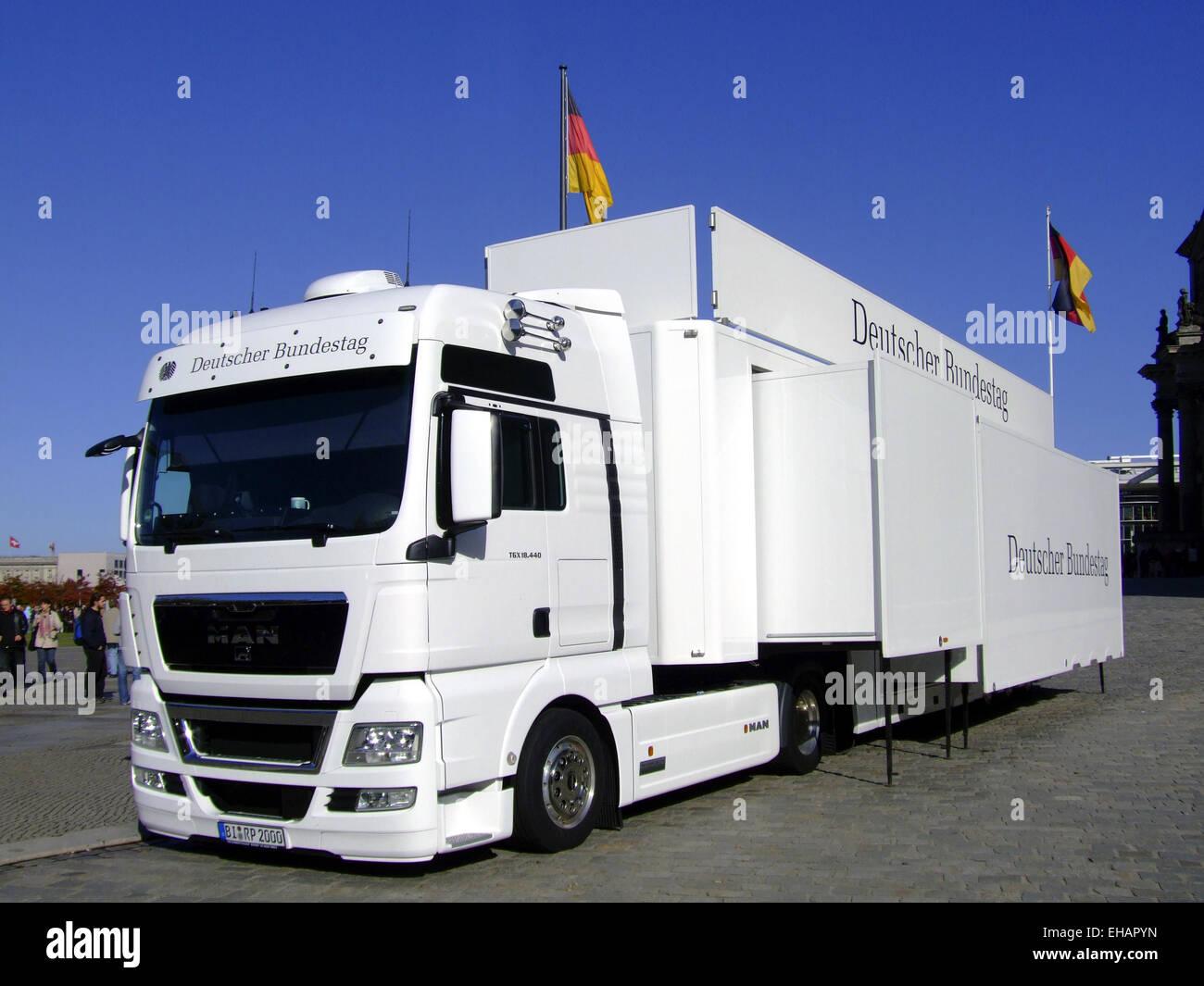Infomobil des Deutschen Bundestages - Stock Image