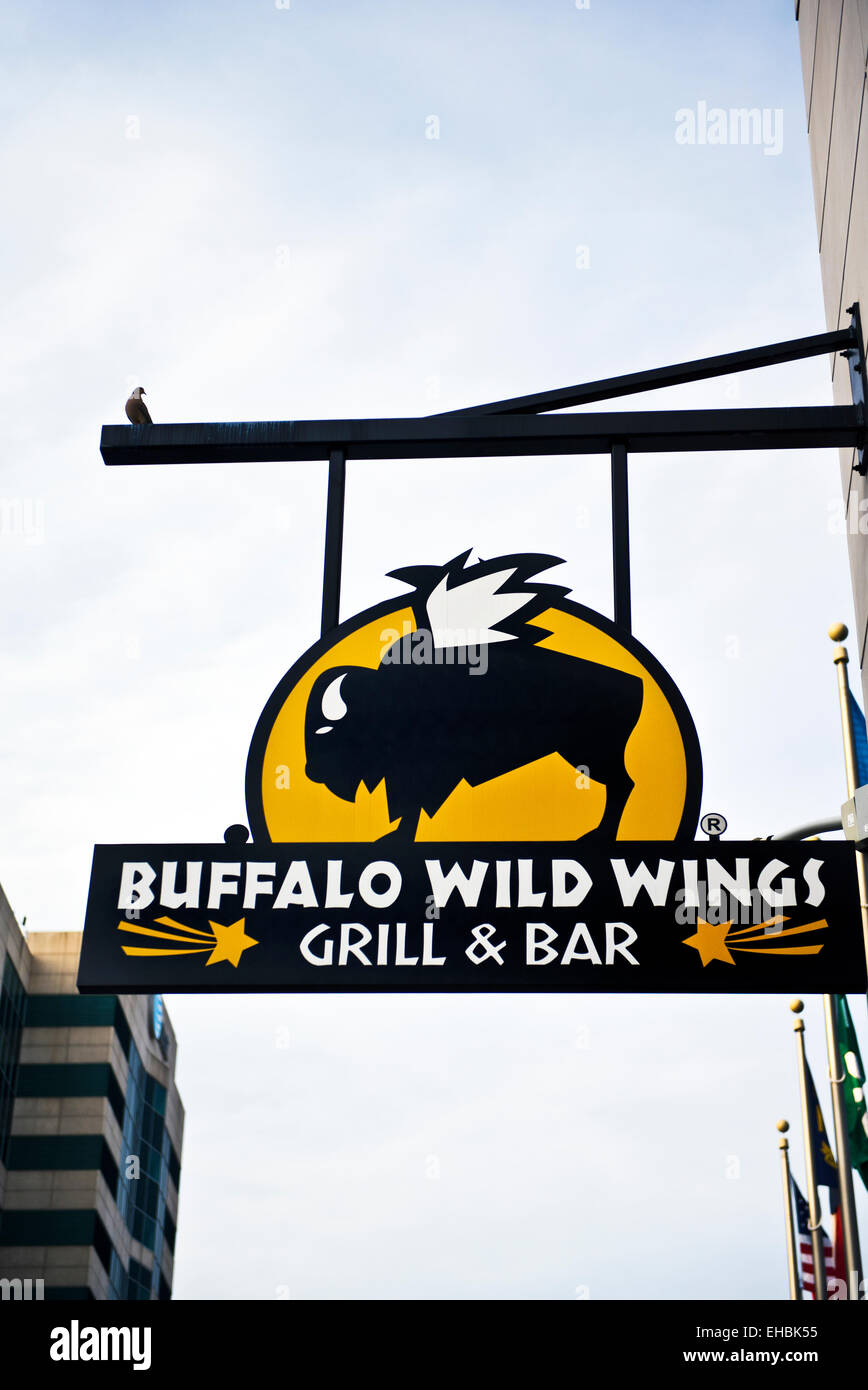 Buffalo Wild Wings Stock Photos & Buffalo Wild Wings Stock Images ...