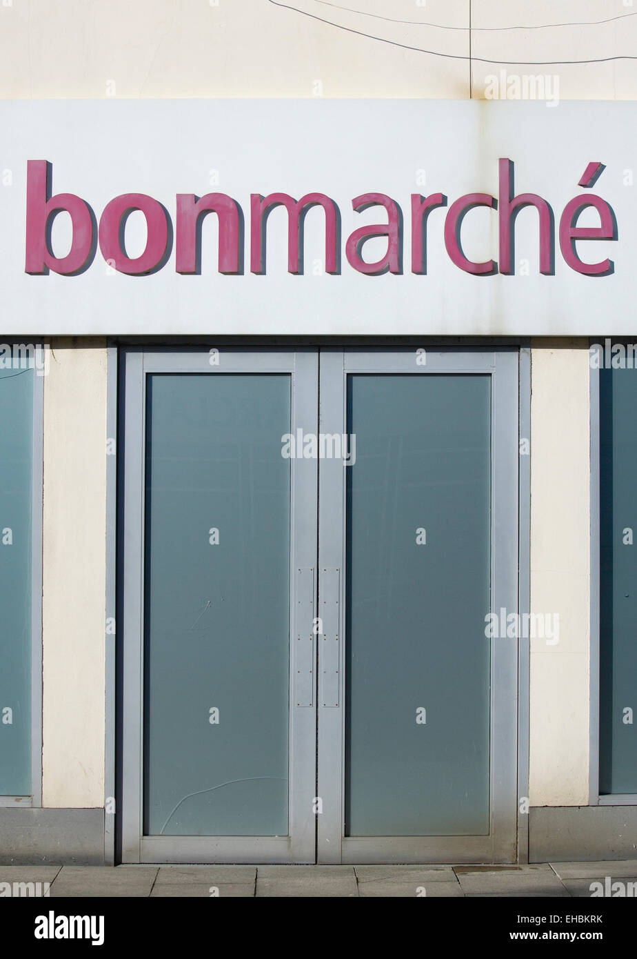 Business, Shops, Shopping, Bon Marche high street store with closed doors. - Stock Image