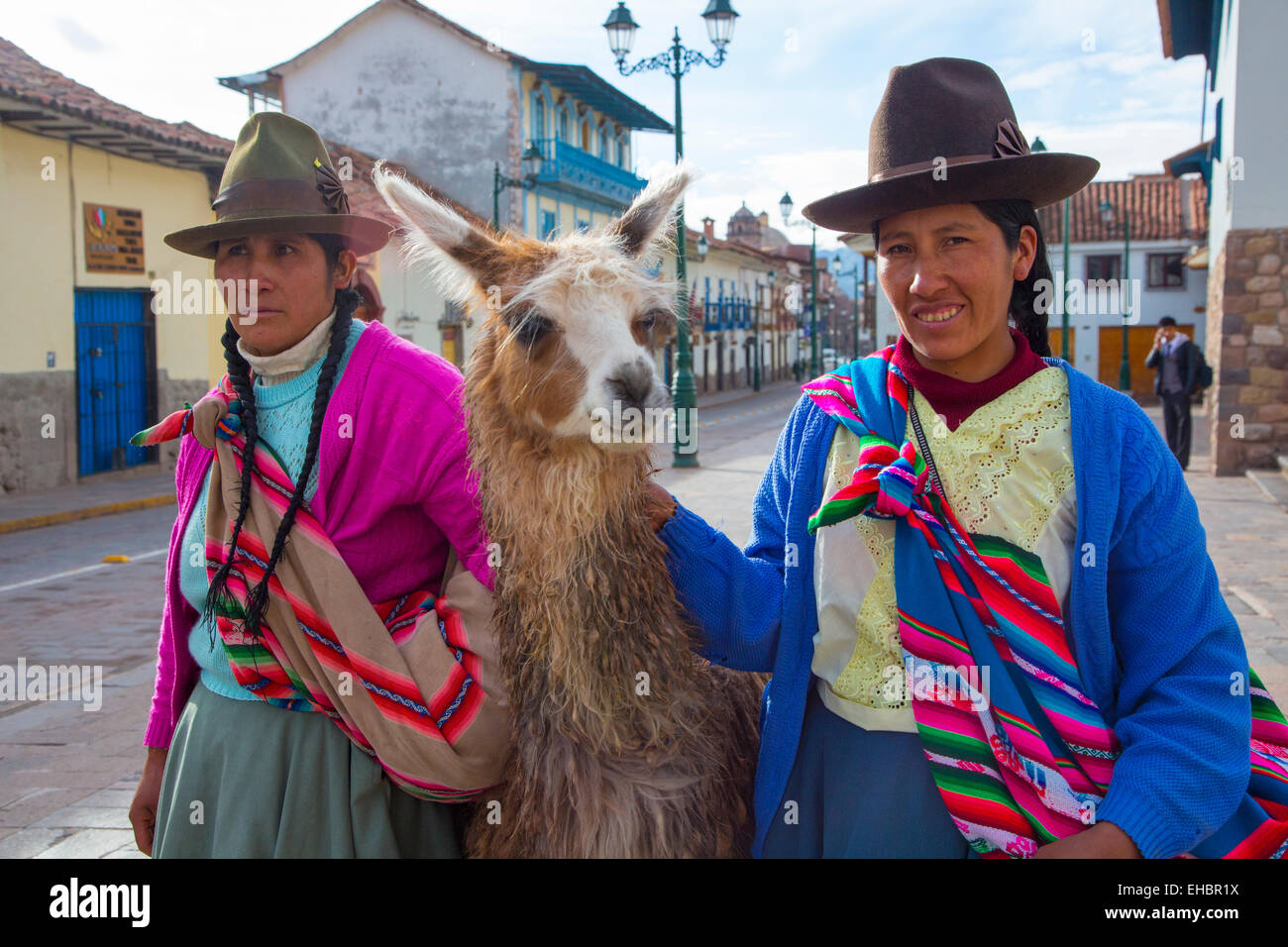Quechua women, traditional dress, Cusco, Urubamba Province, Peru, inca, Incan - Stock Image