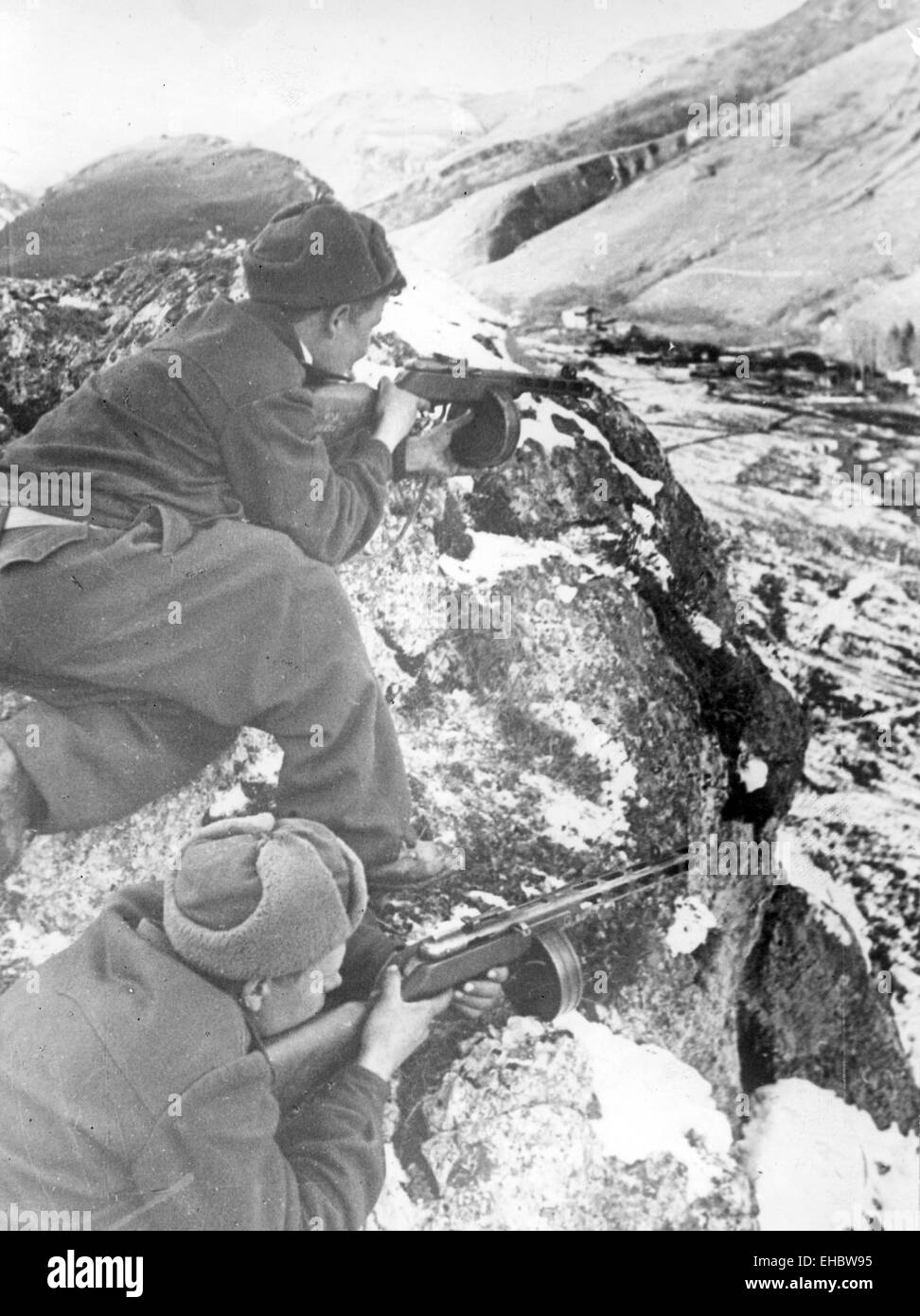 SOVIET SOLDIERS watching for a German convoy in the north Caucasus in 1944 - Stock Image