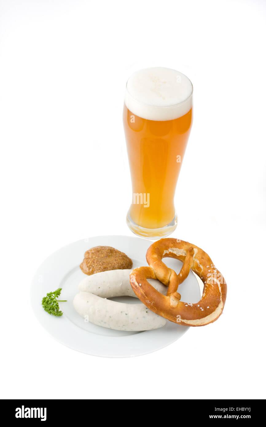 Bayerische Weißwurst, Weizenbier und Brezel - Stock Image