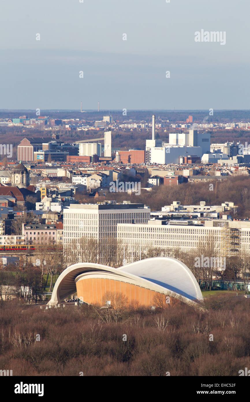 Aerial view of Hugh Stubbins' Kongresshalle, today the Haus der Kulturen der Welt (House of World Cultures) - Stock Image