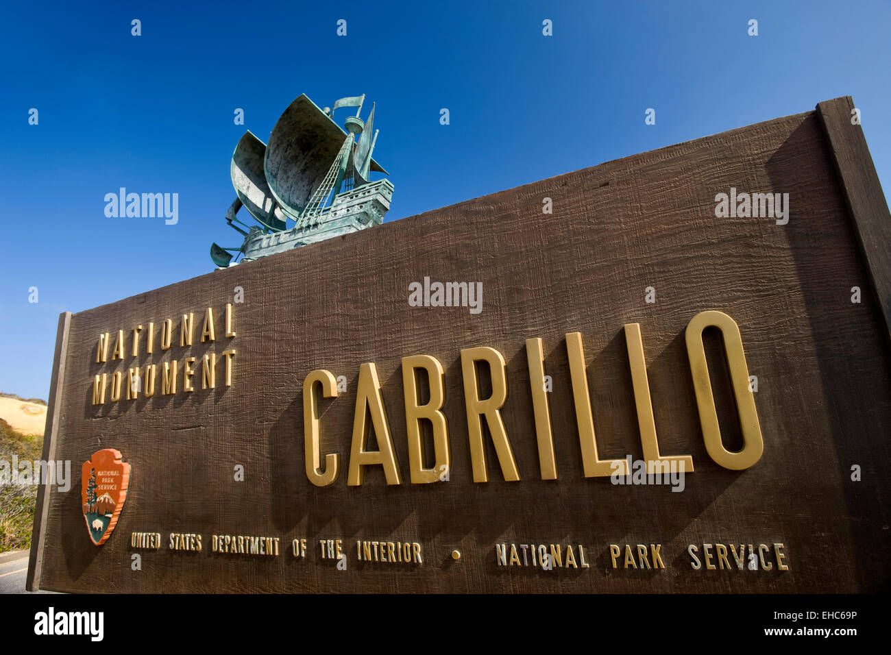 CABRILLO NATIONAL MONUMENT ENTRANCE SIGN POINT LOMA SAN DIEGO CALIFORNIA USA - Stock Image