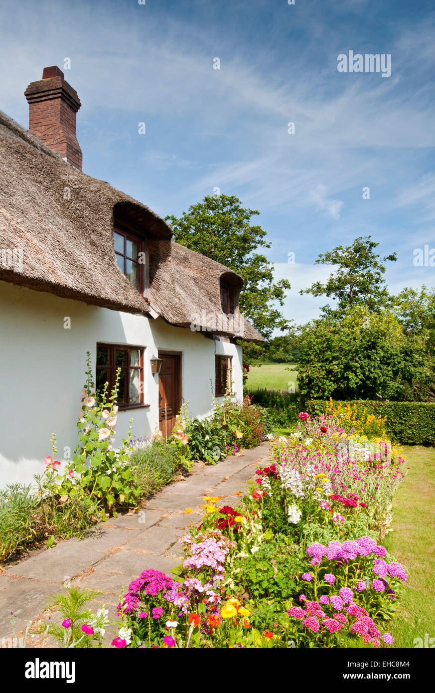 Kidbrook Cottage in Summer, Comerbach, Cheshire, England, UK - Stock Image