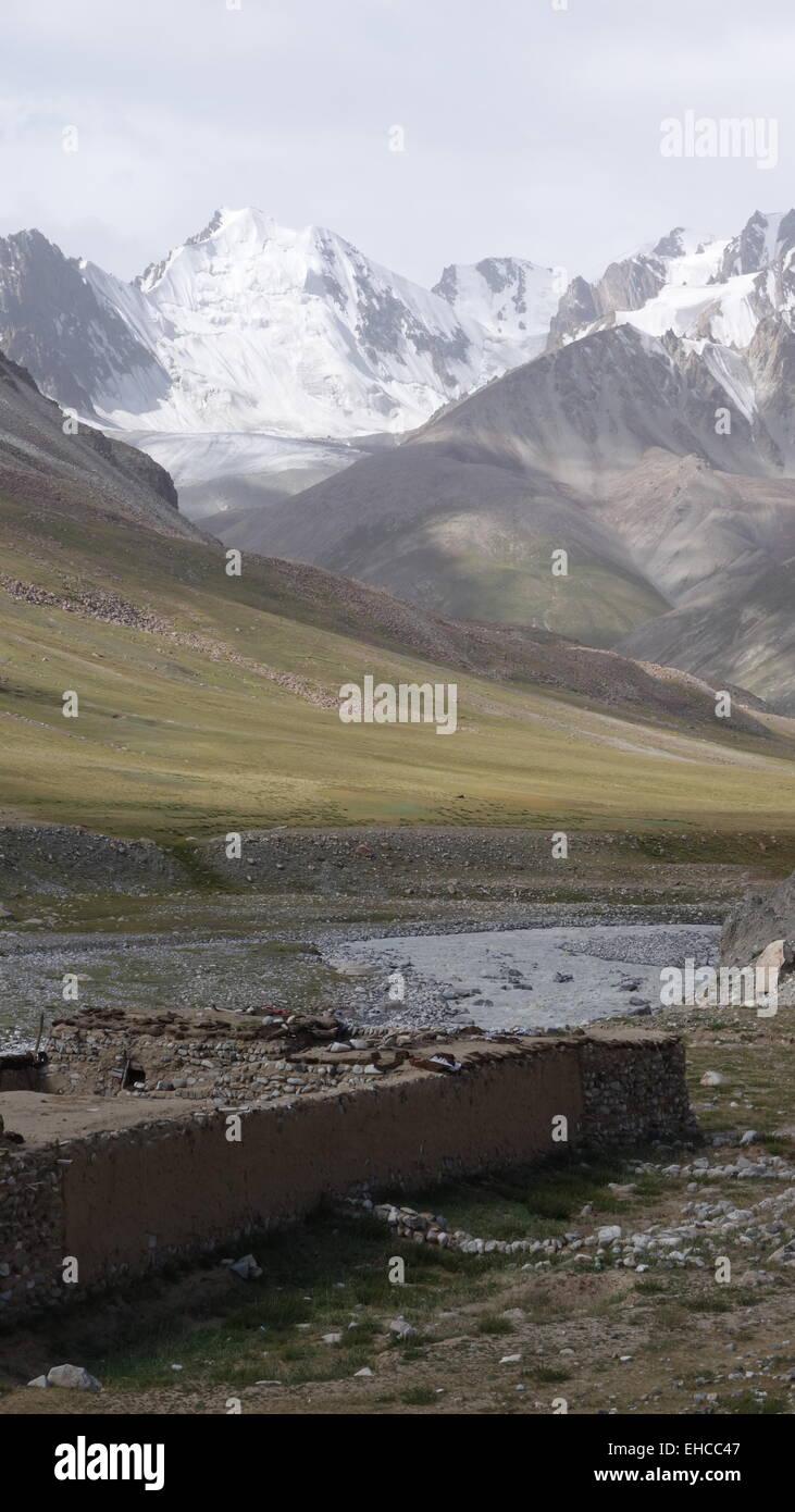 Scenic view from Karakoram highway from China to Pakistan - Stock Image