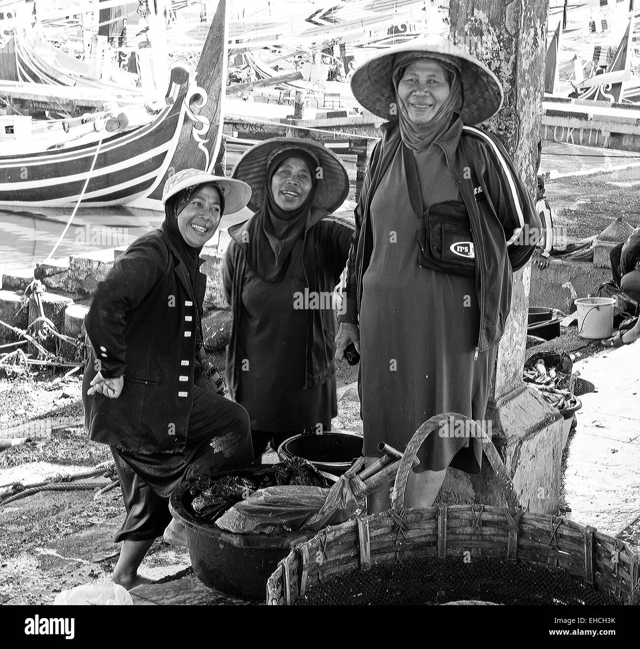Fish wives at the market - Stock Image