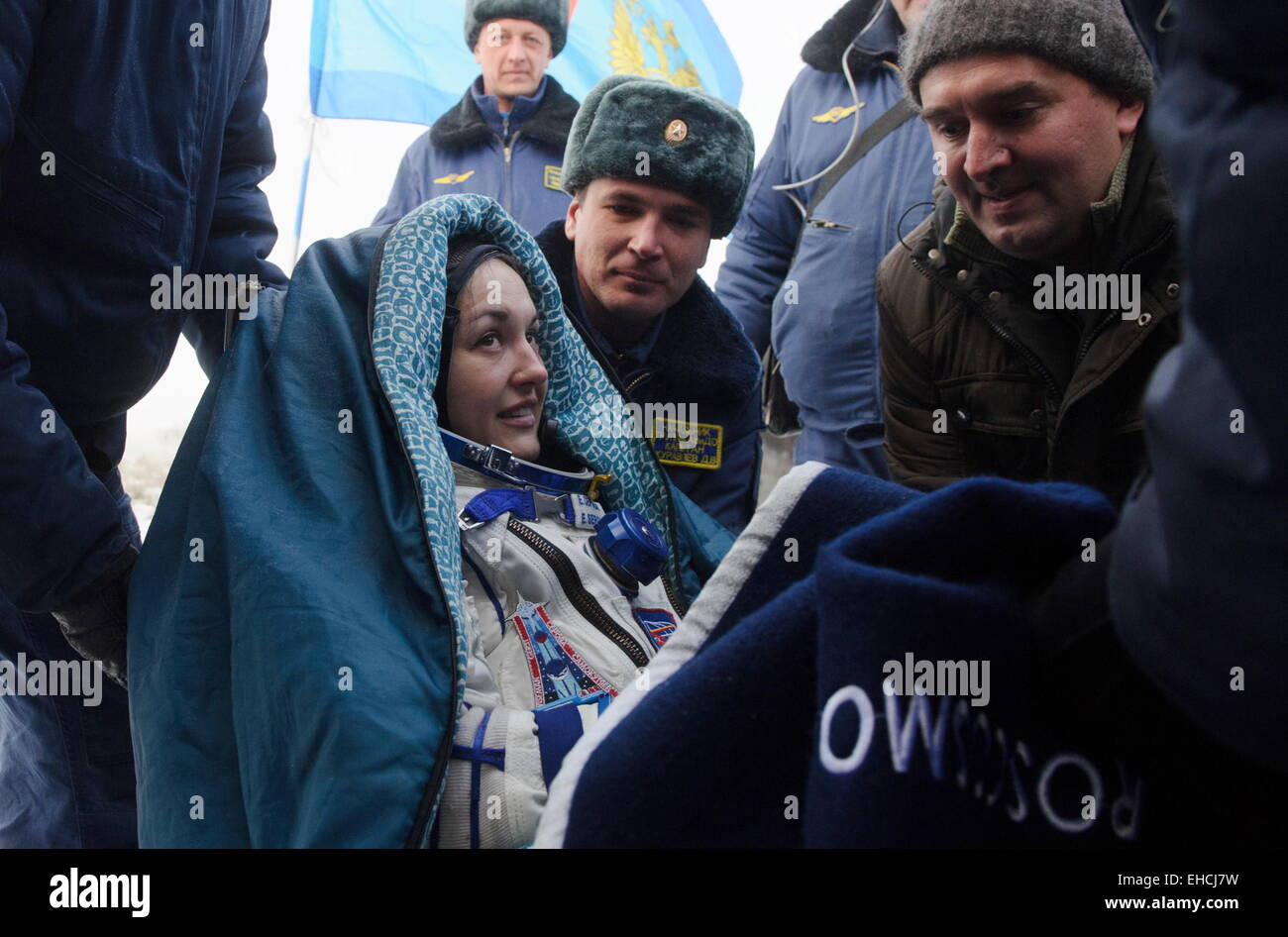 Kazakhstan. 12th March, 2015. ISS Expedition 41/42 crew member, Russia's cosmonaut Yelena Serova (L) seen after - Stock Image