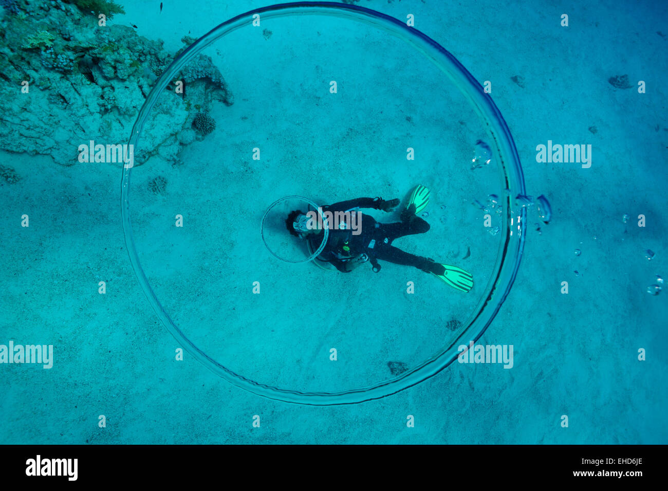 an how underwater ring to diver sport a rings blow bubble