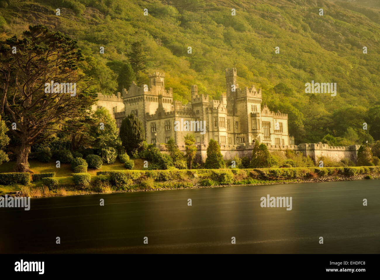 Kylemore Abbey, and lake. Connemara region, Ireland - Stock Image